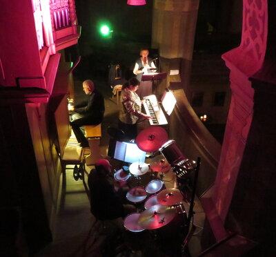 """Fotoalbum ORGELNACHT - DIE 13. Dritter Teil : """"Alte Choräle in neuem Gewand"""" mit Christoph Meister (Schlagzeug), Bianca Meister (Keyboard), Eva-Maria Glüer (Blockflöten) und Otto- B. Glüer (Orgel)"""