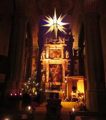 Fotoalbum Heilig Abend - erstmals ohne Christvesper mit Krippenspiel, dafür mit offener Kirche zur Besinnung und Andacht