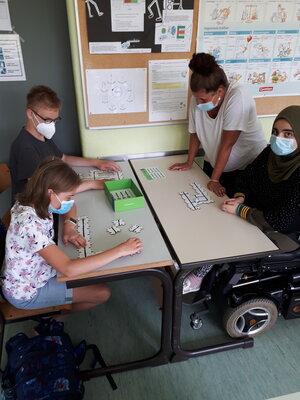 Fotoalbum Klasse 7 programmiert den Roboter