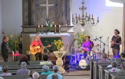 Fotoalbum Tempi Passati auf ihrer 10jährigen Jubiläumstour begeistert das Publikum erstmalig in der Reinharzer Kirche am Sonntagnachmittag zum Tag des offenem Denkmals