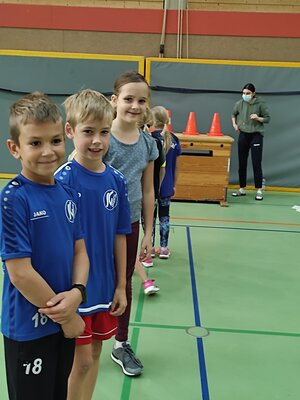 Fotoalbum Handballtag Klasse 3