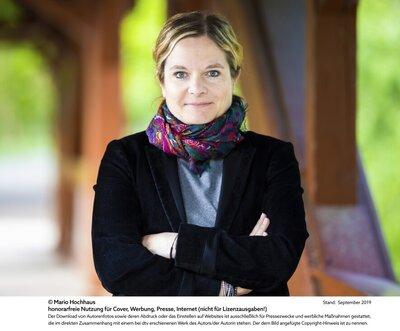 Dr. Julia Bruns