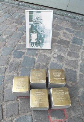 Verlegung der Stolpersteine für Familie Löb in Lauterecken