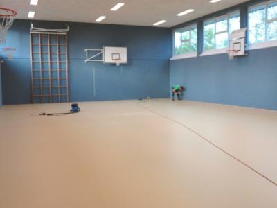 Fotoalbum Endspurt bei den Arbeiten zur Sanierung der Sporthalle