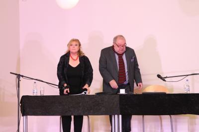 """Foto des Albums: """"Lammkeule und ..."""" Geschichten von Roald Dahl präsentiert von Franziska Troegner und Jaecki Schwarz (18.11.2016)"""