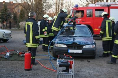 Foto des Albums: Ausbildung Rettungssatz (29.03.2011)