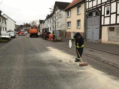 Fotoalbum Ölspur - Hauptstraße