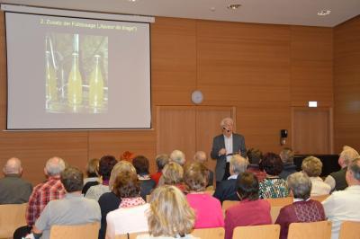 "Fotoalbum ""Sekt, Champagner & Co."" Vortrag mit Prof. Roth"