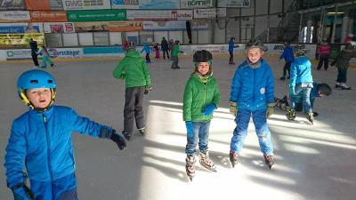Fotoalbum Eislaufen Klasse 3 und 4