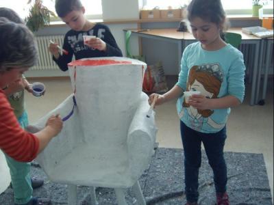 Fotoalbum Projektwoche: Der besondere Stuhl