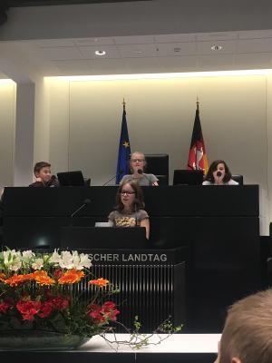 Fotoalbum Besuch der 5S2 im Niedersächsischen Landtag