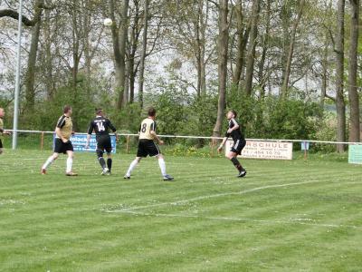 Fotoalbum Häsener SV II - FC Falkenthaler Füchse II