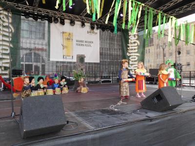 Fotoalbum Tausend-Fühler auf der Stadtfestbühne
