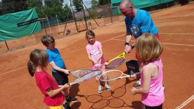 Fotoalbum DRK Kita aus Kyritz auf dem Tennisplatz