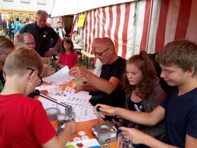 """Fotoalbum Buttonstand zum Aktionstag """"Wir sind Dorf"""" der Gemeinden Uborn & Kamsdorf"""