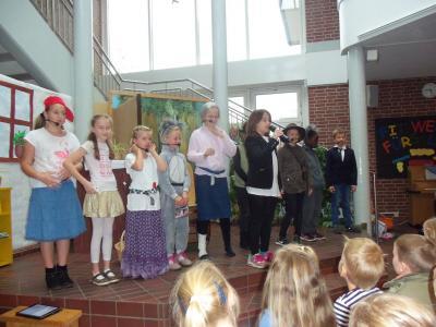 Fotoalbum Theaterstück in der Grundschule Löningen