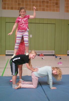 Fotoalbum Akrobatik Klasse 3b