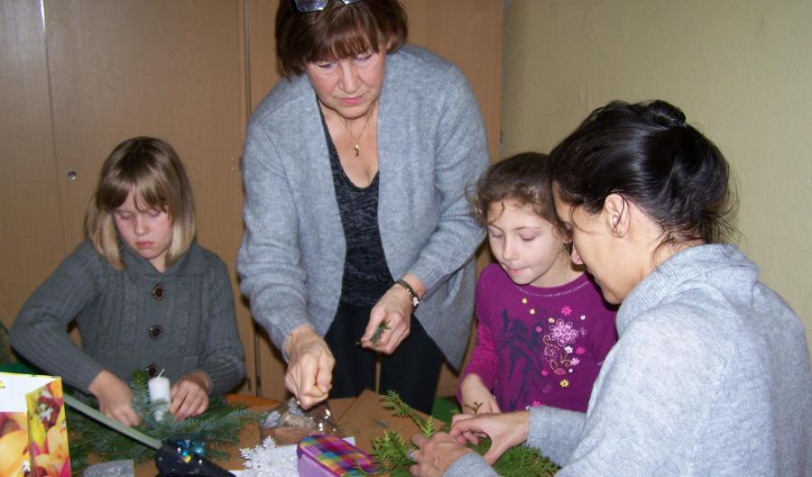 Weihnachtsbasteln 5 Klasse.Grundschule Fritz Reuter Crivitz Weihnachtsbasteln Der Klassen 2c