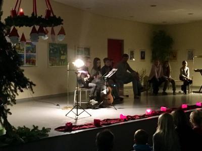 Fotoalbum Lebendiger Adventskalender der Grundschule Ganspe