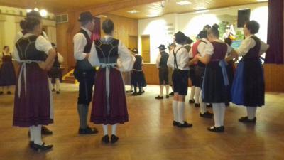 Fotoalbum Jugendkathrein am 24.11.17 im Trachtensaal in Raßreuth