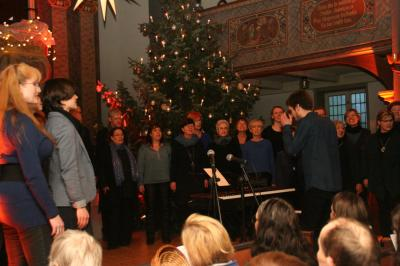 Fotoalbum Neujahrskonzert mit den St. Peter Gospelsingers in der Dissener Kirche