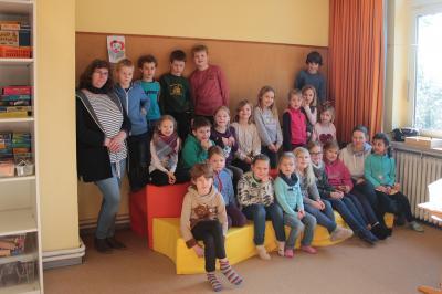 """Fotoalbum Spendenaktion """"17 für 17"""": Neues Sofa für die Betreute Grundschule Seester e.V."""