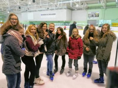 Fotoalbum Eislaufen in Ilmenau mit Jugendlichen aus Uborn, Kamsdorf, Kaulsdorf & Hohenwarte