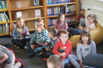 Fotoalbum Lehrer lesen für Kinder