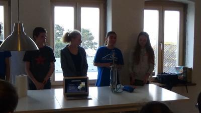 """Fotoalbum Wassercamp Schlei: Die Arbeitsgruppe """"Chemie"""""""