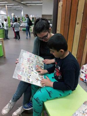 Fotoalbum Führung durch die Kinder- und Jugendabteilung der Zentralbibliothek Düsseldorf