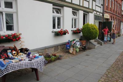 Fotoalbum Freiluftgottesdienst und Flohmarkt