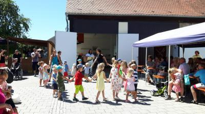 """Fotoalbum Sechs neue """"Minis"""" leisten ihren Dienst am Altar"""