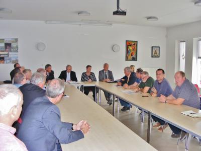 Fotoalbum Angler protestieren gegen überzogenen Verordnungsentwurf der NATURA-2000 Richtlinie in Sachsen-Anhalt