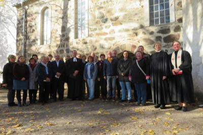 Fotoalbum Dr. Christoph Gramzow wird in der Kirche zu Trebitz als Pfarrer des Pfarrbereiches Bad Schmiedeberg - Pretzsch in einem Festgottesdienst eingeführt
