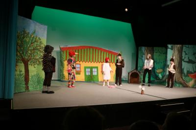 """Fotoalbum Im Theater """"Rotkäppchen"""" zum Nikolaustag"""