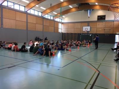 Fotoalbum Zweifelderballturnier mit Stargast und gesundem Frühstück