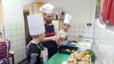 Fotoalbum Kochevent Klasse 4a mit Sodexo