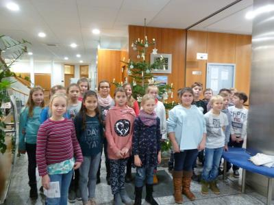 Fotoalbum Wir schmücken den Weihnachtsbaum