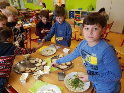 Fotoalbum Gesundes Frühstück in der Lerngruppe 2a