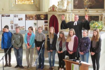 Fotoalbum Vorstellungsgottesdienst der diesjährigen Konfirmanden in der Stadtkirche