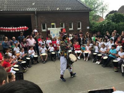 Fotoalbum Schulfest 15.06.2019 - In vier Stunden um die Welt