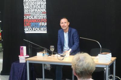 """Fotoalbum Lesung aus Romy Straßenburgs Roman """"Adieu Liberté – Wie mein Frankreich verschwand"""""""