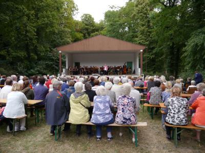 Fotoalbum Opernmelodien im Park von Menkin