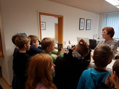 Fotoalbum Besuch im Rathaus der Klasse 3/4