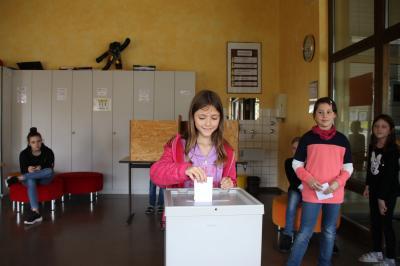 Fotoalbum Grund-und Werkrealschüler in Aichhalden wählen ihre neuen Vertreter