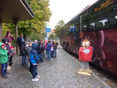 Fotoalbum Für unsere Erstklässler hieß es auch in diesem Jahr:  Auf zur Busschule!
