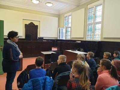 Fotoalbum Klasse 6b - Besuch einer Gerichtsverhandlung