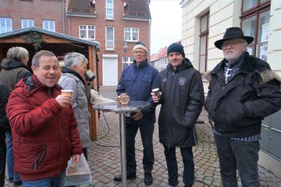 Fotoalbum 13. Adventsbild: Katzenhaus