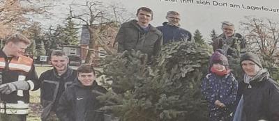 Fotoalbum Weinnachtsbaum verbrennen