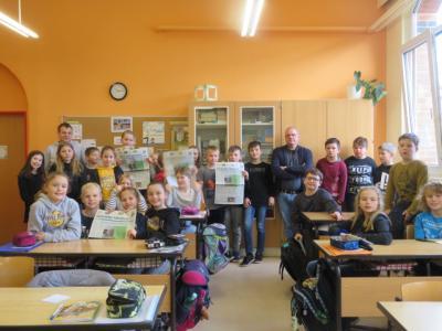 Fotoalbum Ein Reporter zum Interview zu Gast in Klasse 4